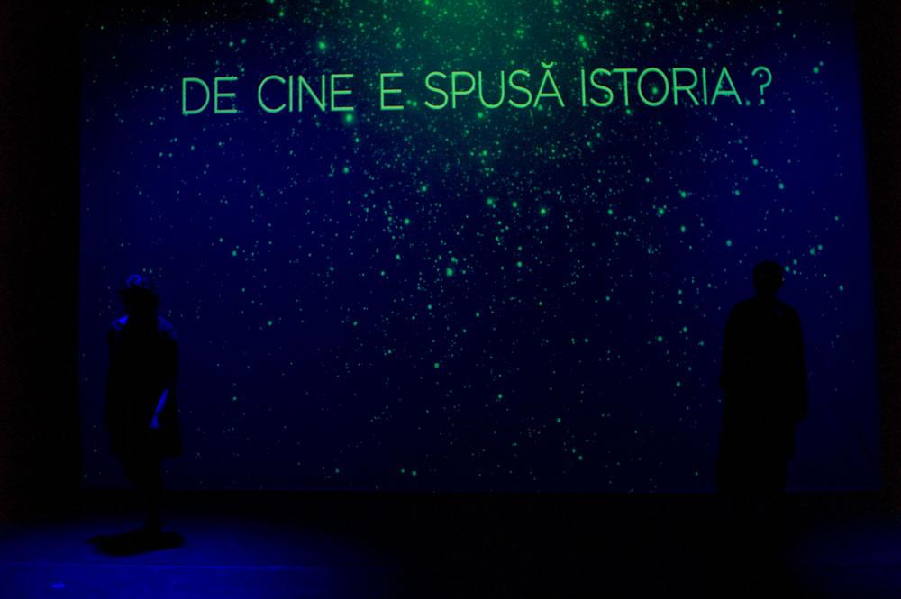 sursa: https://www.teatrul-excelsior.ro/marea-rusine-2/