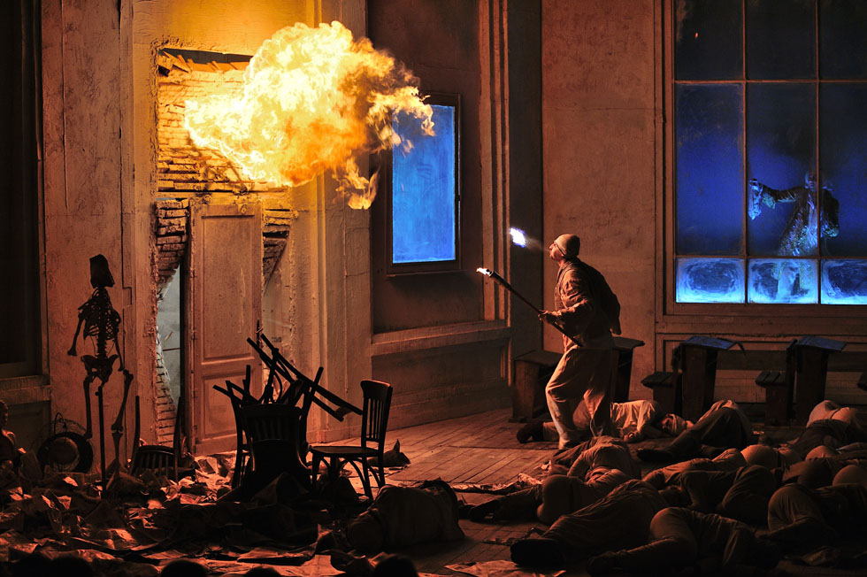 sursa: http://www.tnrs.ro/spectacole/faust